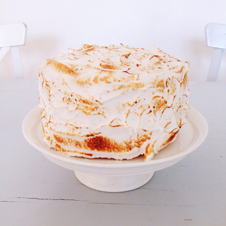 Lemon layer cake meringu marie gourmandise - Moule a layer cake ...